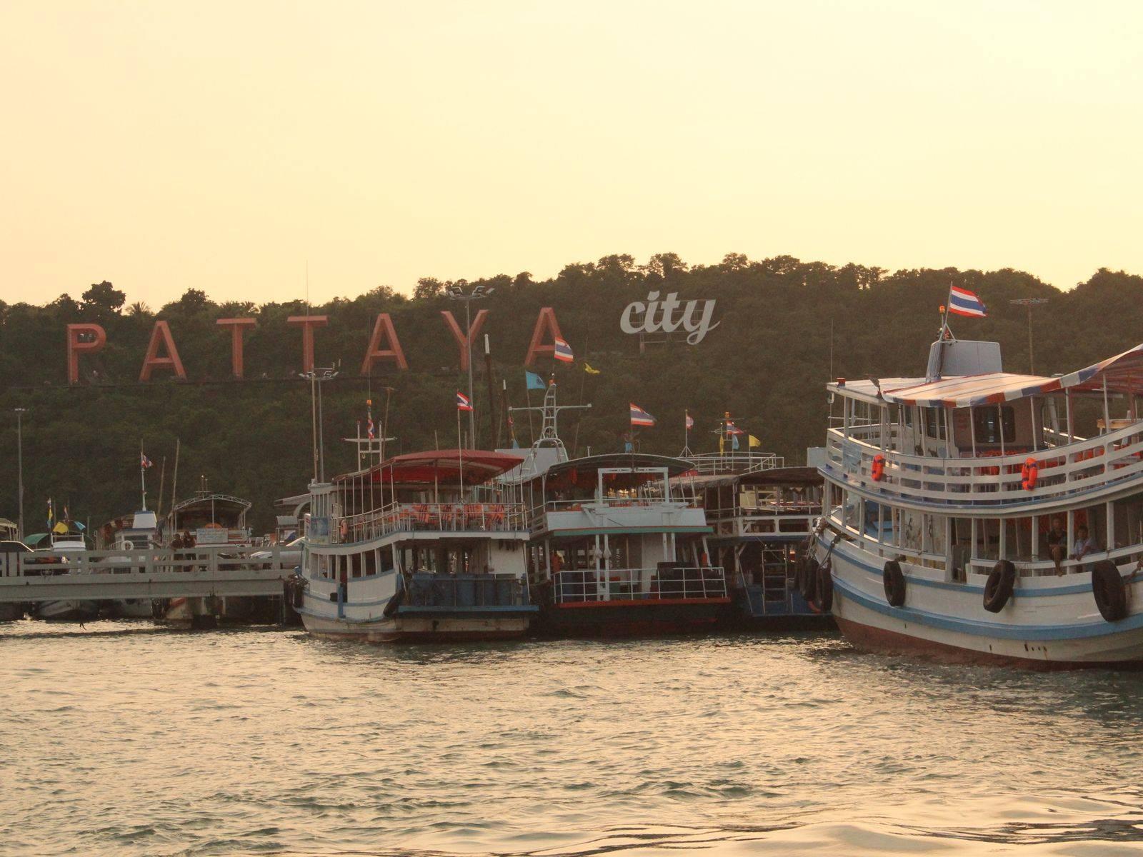 Take a Tour of Beautiful Koh Lan Island