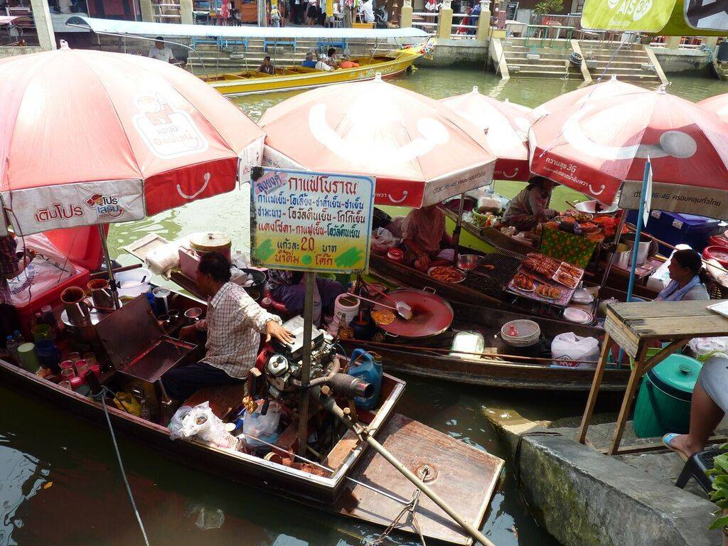 Bangkok's Unique Markets Private Tour