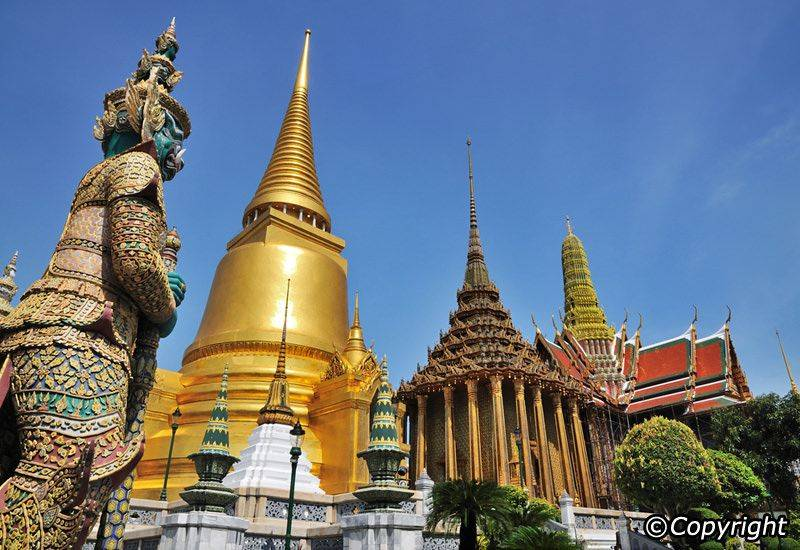 Explore the Bangkok Old Town 4 Highlight Temples 3 Market Zones
