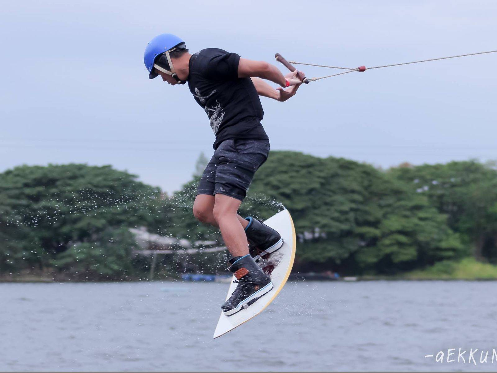 Challenge yourself with Wakeboarding!