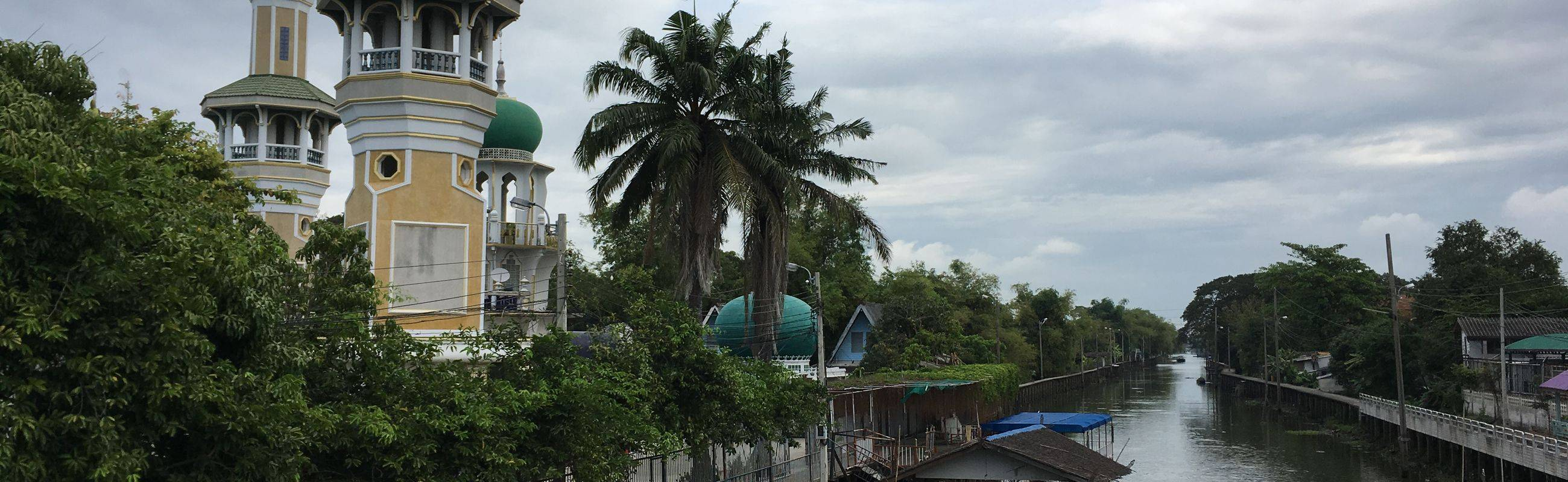 Boating & Halal Street Food in Bangkok Muslim Community