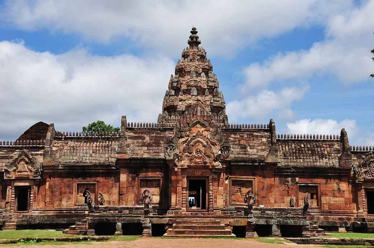 Wonder of Phimai Historical Park& Dan Kwian [Depart from Nakhon Ratchasima]