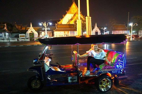 Bangkok Tuk Tuk Night Tours - 4 hours and include dinner
