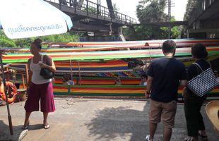 The charming Taling Chan Floating Market