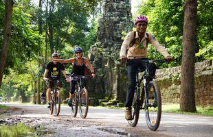 Cycle the Angkor Wat Temple