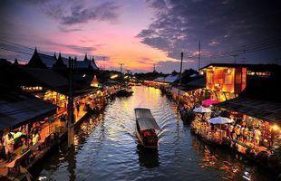 Amphawa Floating Market & Maeklong Railway Market (Umbrella Market)