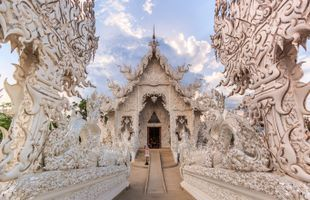 Yin & Yang: Chiang Rai White Temple & Black House Tour