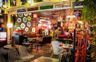 A Hipster Night - JJ Green Weekend Market Trip