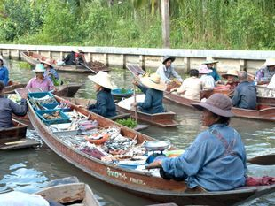 Back to the past at Tha-Kha, an authentic canal village in Samut Songkram