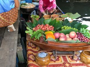 Discover Taling Chan Floating Market Boat Trip