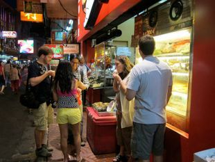 Yaowarat Foodie Walk and Culture Tour