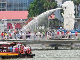 ล่องเรือ ตามแม่น้ำในสิงคโปร์ Singapore River Cruise