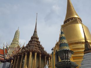 City Temples Private Tour in Bangkok with SUV car