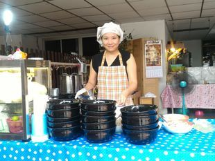 Taste Local Noodles Restaurant with Easy Thai Cooking class