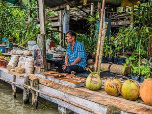 Explore a Scenic Thai Town - Amphawa Floating Market Tour