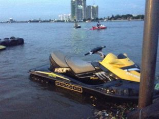 Amazing Rattanakosin  & Coolest Jet Skiing at Chao Praya River !!