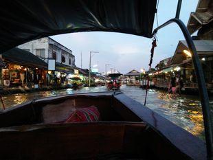 Private Boat : Maeklong Railway Market & Amphawa Floating Market
