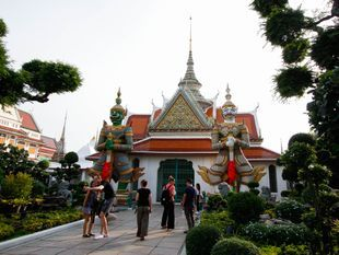 Amazing Bangkok Temples and Eating Trip