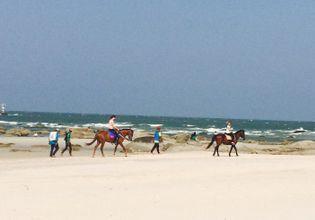 A Fun Day at a Beach & Theme Park in Hua Hin