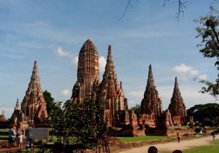 Day Tour Package: See Ayutthaya By Private Car