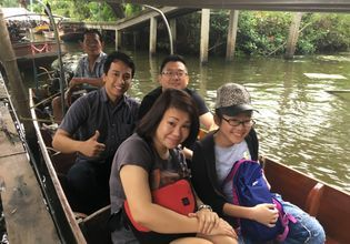 Long tail boat @ Damnoensaduak