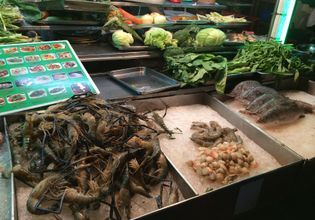 Sea food in China Town