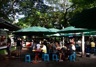 Enjoy Morning Jog & Get Thai Breakfast in Beautiful Lumpini Park