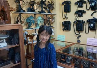 Millions of old stuffs at Suksasom Museum (as your choice)