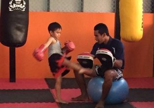 A quality time with a Muay Thai session for Beginners