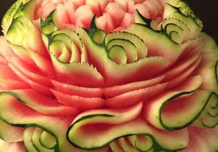 Turn watermelon into beautiful flower