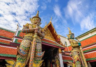 Walking around and explore Bangkok for a day