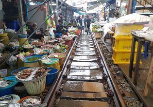 Damnoen Saduak Floating Market & Maeklong Railway Market (Everyday)