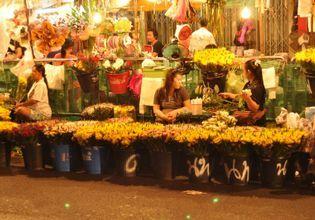 Watch Sunset on Boat & Flower Market