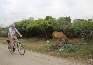 Cycle through local Ayutthaya
