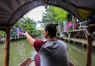 Tour the Iconic Khlong Lat Mayom Floating Market & Learn to Make Authentic Home-Cooked Pad Thai