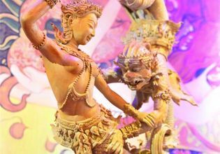 Touch the art of love in Thailand (Kamavijitra, Erotic Art Museum)
