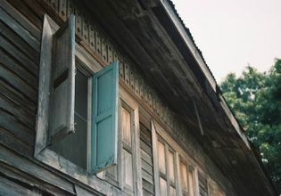 Immerse yourself in the vibe  of Bangkok's Old Town