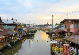 Amphawa Floating Market & Boat Ride to Local Canal