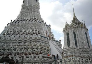 Visit The Grand Palace, Wat Phra Kaew and nearby temples