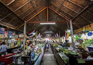 Enjoy The Khlong Lat Mayom Floating Market With a One-Day Tour