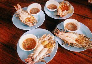 2B River prawns dishes