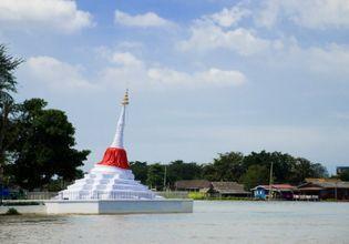 Private Boat Trip around Koh Kret Island