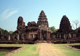 Wonder of Phimai Historical Park& Dan Kwian [Depart from Nakhon Ratchasima]