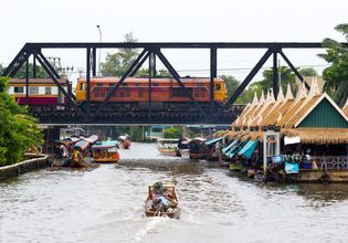 Explore Taling Chan Floating Market