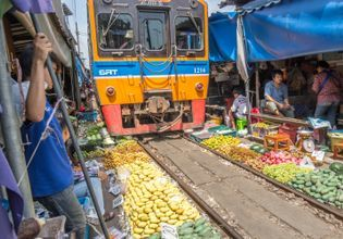 Umbrella railway market
