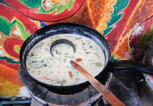 white curry or tom kha kai