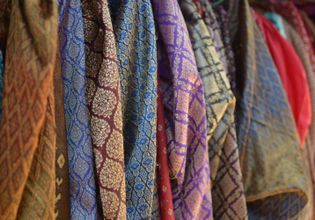Traditional Thai costume that you can rent at Baan Bang Rachan Retro Market