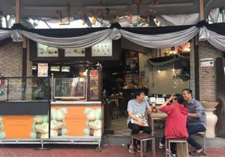 Explore the Bangkok Old Town: 4 Highlight Temples & 3 Market Zones