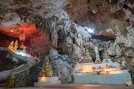 Underwater caves half day tour