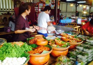 Kwan Riam Floating Market and Hua Mum Night Market – The Hidden Gem Market Worth Visiting!